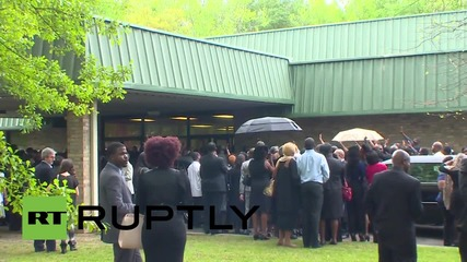 USA: Funeral held for African-American police shooting victim Walter Scott