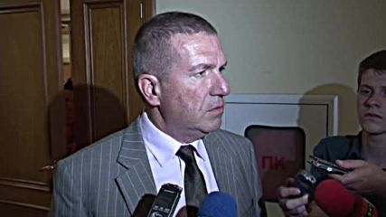 Тръгна делото срещу бившия здравен министър Петър Москов