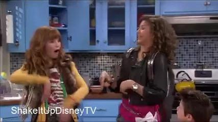 Най филм на Дисни Shake It Up - интрото (как започва) в изпълнение на Selena gomez