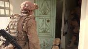 Сапьори търсят мини в разрушения град Палмира