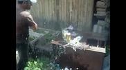 Нож Сталкер из дамасской стали разрубает 5 бутылок