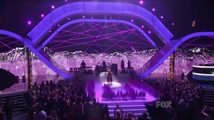 На живо! Selena Gomez - Love You Like A Love Song ( Teen Choice Awards 2o11 )