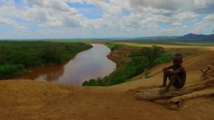 Водите на Река Омо - спасителна линия за древните африкански племена (
