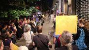 USA: Dozens hold candlelight vigil outside shelter for separated children