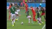 Холандия победи Мексико с 2:1