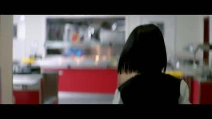 Jessie J - Who's Laughing Now [ Официално Видео ]