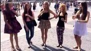 Момичета от Русия пеят красиво кратка народна песен