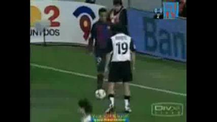 Някои хора знаят как се играе футбол...