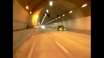 Луд минава с 300 км/ч