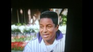 Призракът на Michael Jackson зад братси по време на интервю!