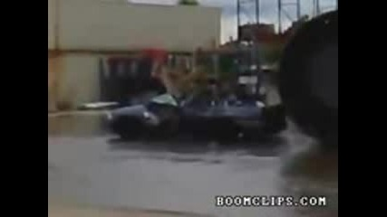 Смях: Ето как се мие колата!!!
