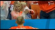 Силно Видео ! Детето на Робен плаче след загубата от Аржентина ...