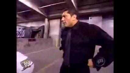 Wwe Batista Счупва Колата на Jbl