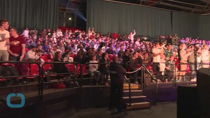 Cinema Becomes War Zone for 'Call of Duty' ESports Fans