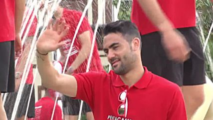 Spain: Sevilla players celebrate Europa League victory with huge parade