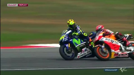 #sepangclash Rossi and Marquez get physical !