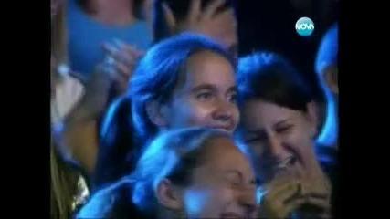 X-factor - момиче пада от сцената на 12.09.2011 г.