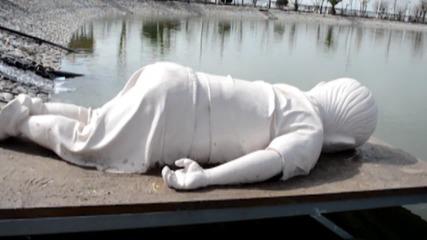 Iraq: Sculpture of drowned refugee toddler Alan Kurdi unveiled in Sulaimani