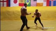 Най - силният човек на света срещу Мма боецът Connor Mcgregor