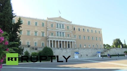 Greece: Morning headlines see rift in Syriza following bailout vote