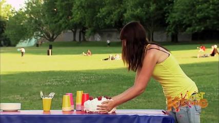 Funny-tricked-cake-prank