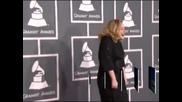 Глоба от 1000 паунда грози певицата Адел, заради това, че е забравила да регистрира сина си