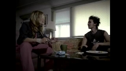 Green Day ~ Jesus Of Suburbia (video)