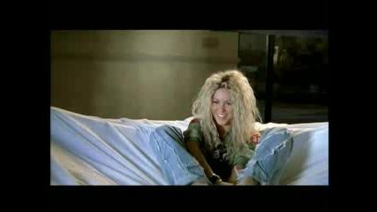 Шакира - Се Чекне С Вдигнати Крака