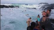 Този естествен басейн е най-лудото австралийско забавление през лятото