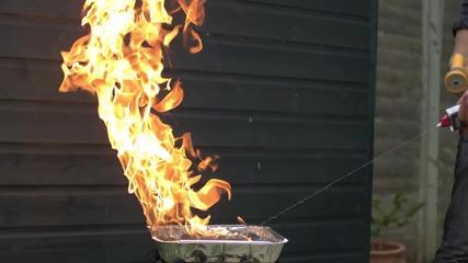 Огън и вода в забавен кадър