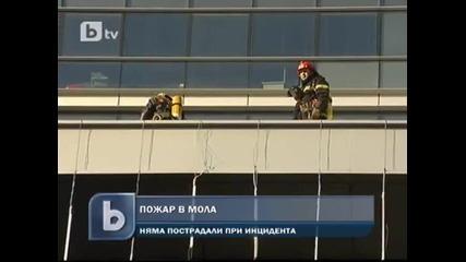 """Пожар горя в мола на """"стамболийски"""" в София"""