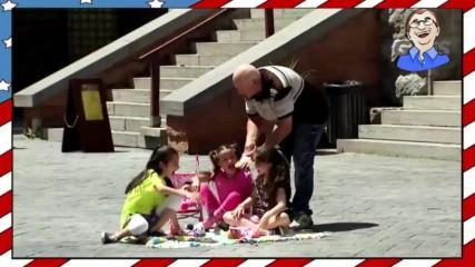 Непознат човек дава близалки на дечица - Шега