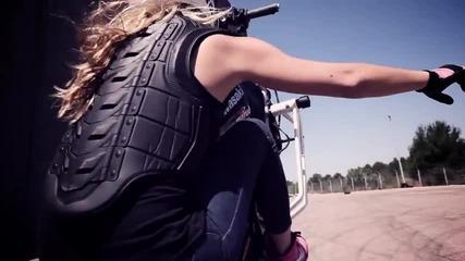 И момичетата могат да правят Stunt
