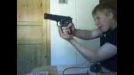 Пистолет В Идиот