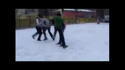 Идиоти в училище ;дд какво се прави в междучасието ;д