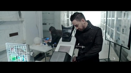 Превод! Steve Aoki feat. Linkin Park - Darker Than Blood (official Video)