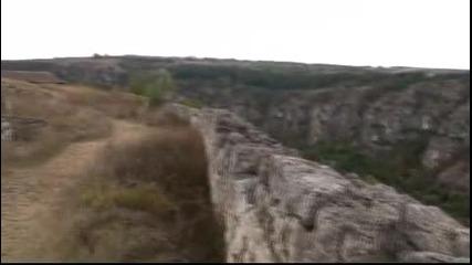 Красотите на България - крепостта в Червен