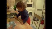 Мери прави пица