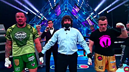 Кокляев едвам победи влогър в боксово фрийк шоу