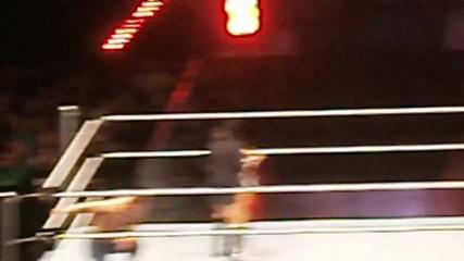 Джон Сина целува Вики Гереро ; Ей Джей удря Долф с куфарчето