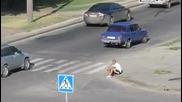 Не е лесно да си руснак!!!бой на улицата! (14)