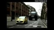 Какво може да си се случи на пътя ако сте с малка кола.