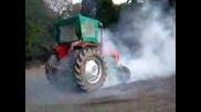 Трактор Пали Гуми