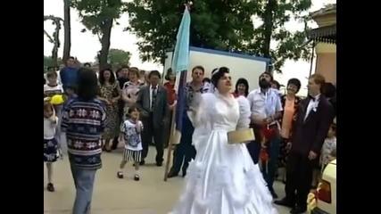 Gojko i Juzni Vetar - Neka peva ova kuca (Official Video)