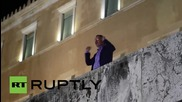 Greece: Tsipras and Varoufakis drop by midnight 'OXI' rally