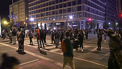USA: 'Violence was taught' - Washington protest dissolves into fires and looting