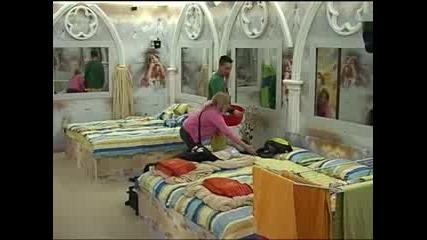 Цветелин и Ива роптаят срещу кучетата Big Brother Family