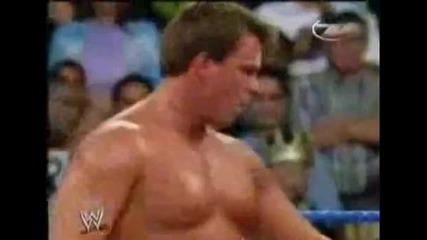 W W E Еди Гереро умира на ринга ;[