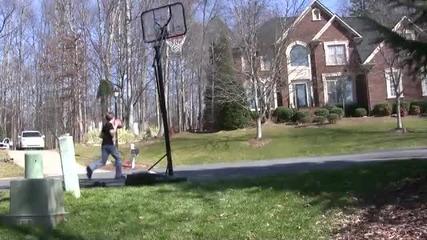 Момчета разбиват с изстрели (баскетбол - Trick Shots)