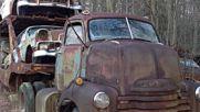 Тези хора са попаднали на изгубен през 1956 година автовоз, заедно с колите на него!